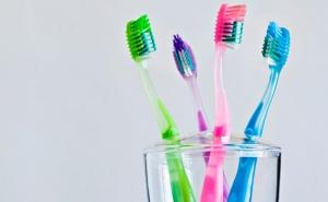 higiene-oral-trocar-escova-dente